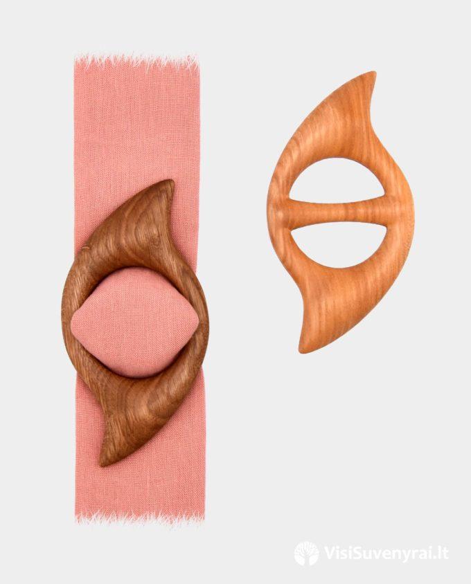 mediniai papuošalai sagtelės šalikėliui skarelei
