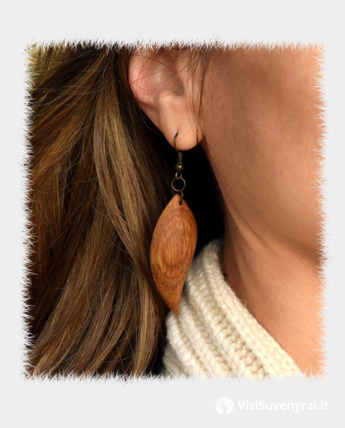 rankų darbo auskarai iš medžio pauošalai mediniai auskarai