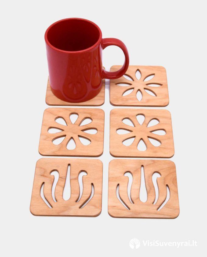 mediniai padėkliukai su_dėžute suvenyrai iš medžio dovanos kavos mėgėjams